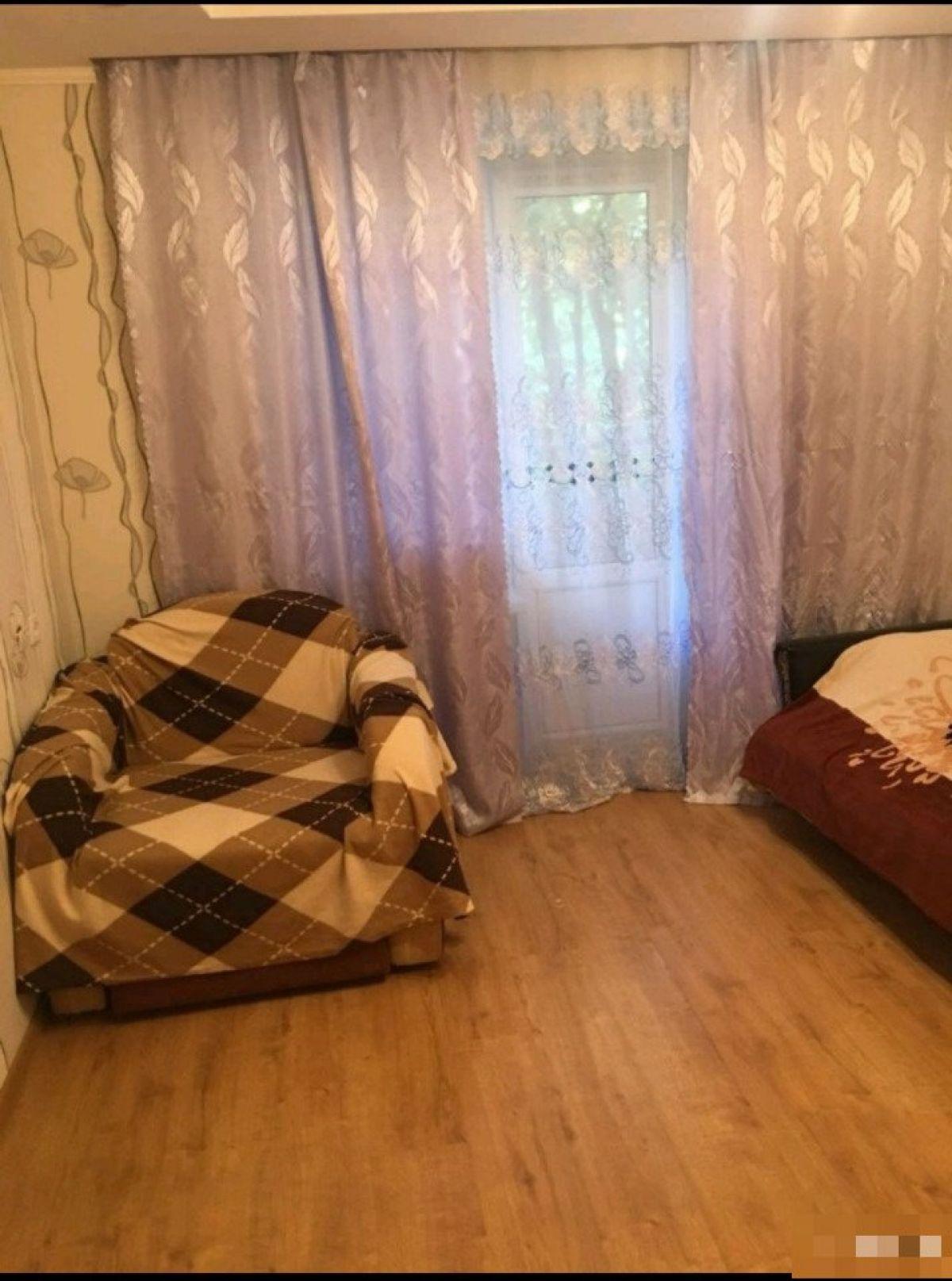Продам 1-комн. квартиру, Ростовская область, Таганрог, Кузнечная ул, 142-2